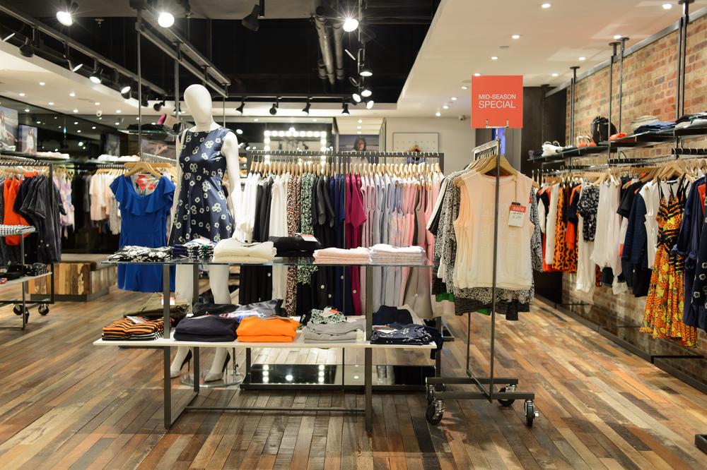 shop in sector 18 Noida